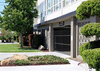 3633 Colegrove Apartments